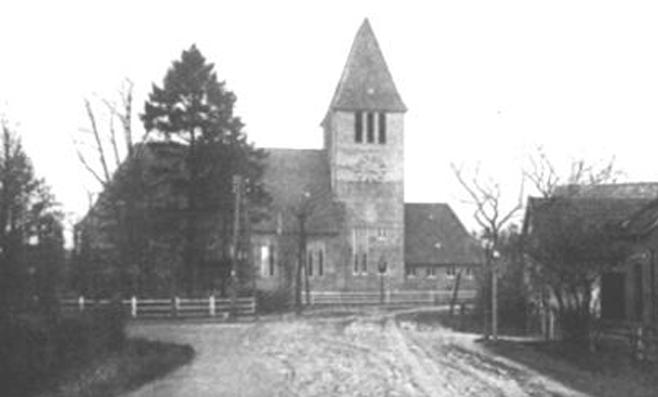 Frontansicht der Auferstehungskirche; Foto: Kirchengemeinde Oldenburg
