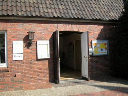 Offene Gemeindehaustür der Christuskirche;Foto: Kerstin Ebel