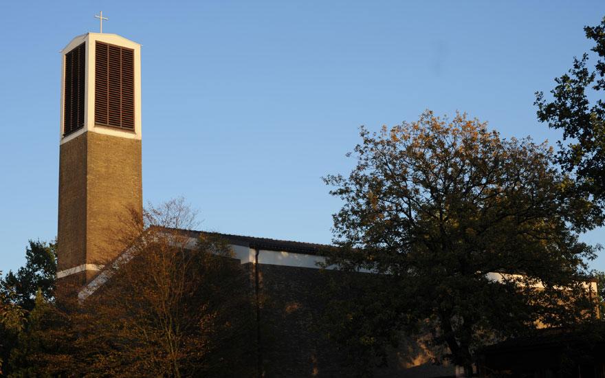 Martin-Luther-Kirche von außen; Foto: Kirchengemeinde Oldenburg